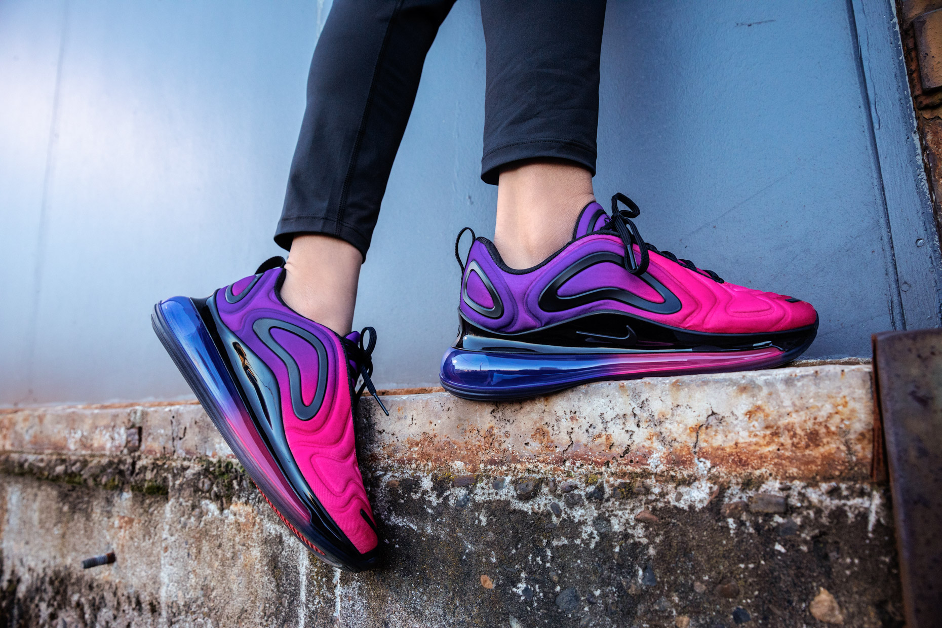 19206-01_Nike_NADBD_AM720_Womens_AR9293-500_2196_full